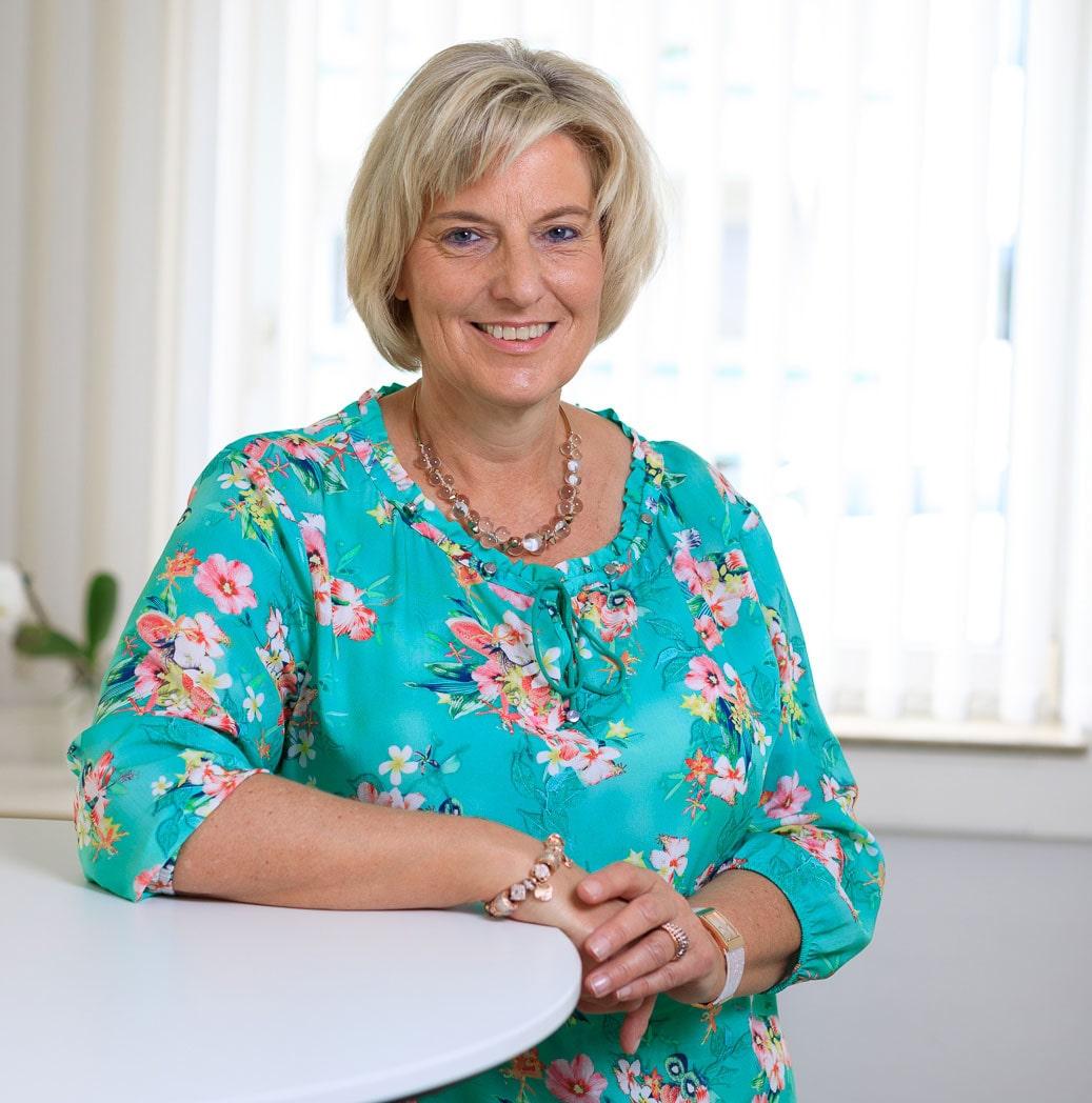 Iris Rieger, Finanz- und Lohnbuchhaltung